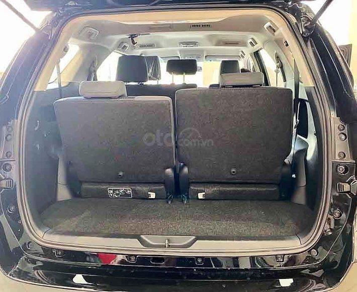 Cần bán xe Toyota Fortuner 2.4G AT 4x2 2020, màu đen4