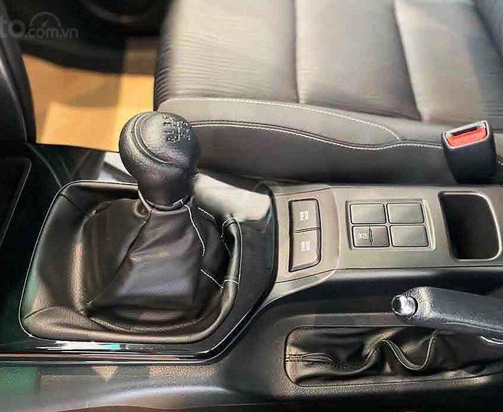 Cần bán xe Toyota Fortuner 2.4G AT 4x2 2020, màu đen2