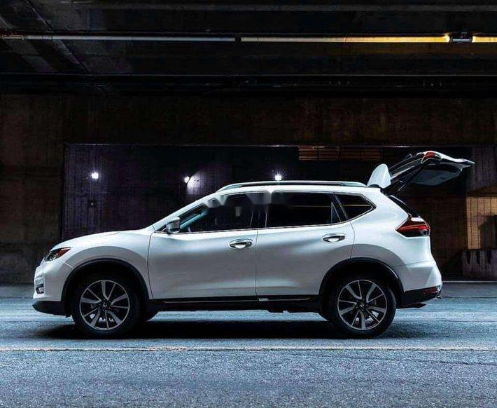 Bán xe Nissan X trail năm sản xuất 2020, màu trắng 6