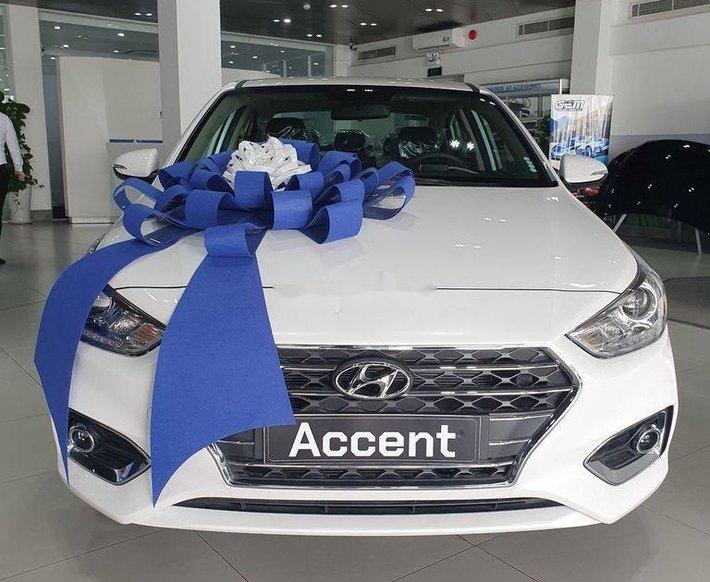 Bán xe Hyundai Accent 2020, màu trắng, giá chỉ từ 420 triệu0