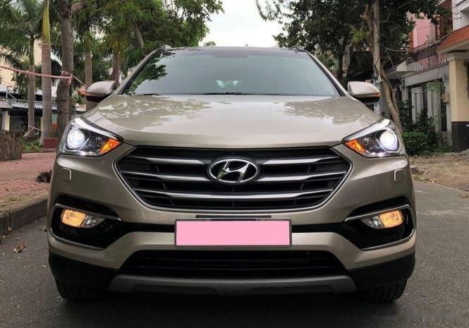 Bán Hyundai Santa Fe năm sản xuất 2019, màu nâu số tự động, full options0
