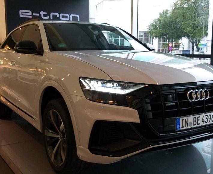 Bán xe Audi Q8 2020 nhập khẩu chính hãng, giá tốt nhất miền nam, liên hệ ngay0