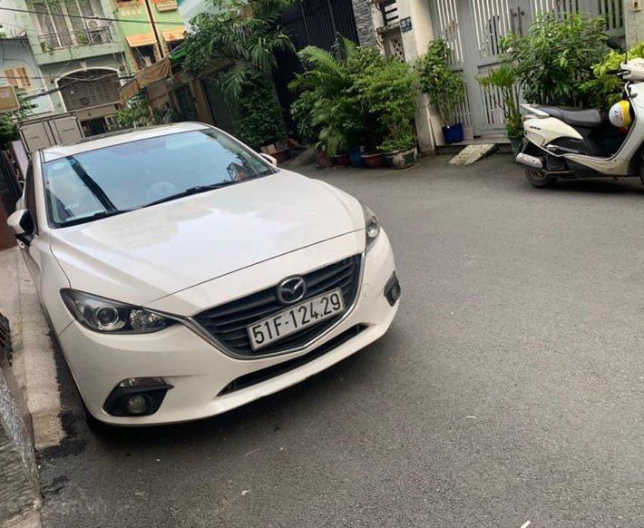 Bán Mazda 3 2015, màu trắng0