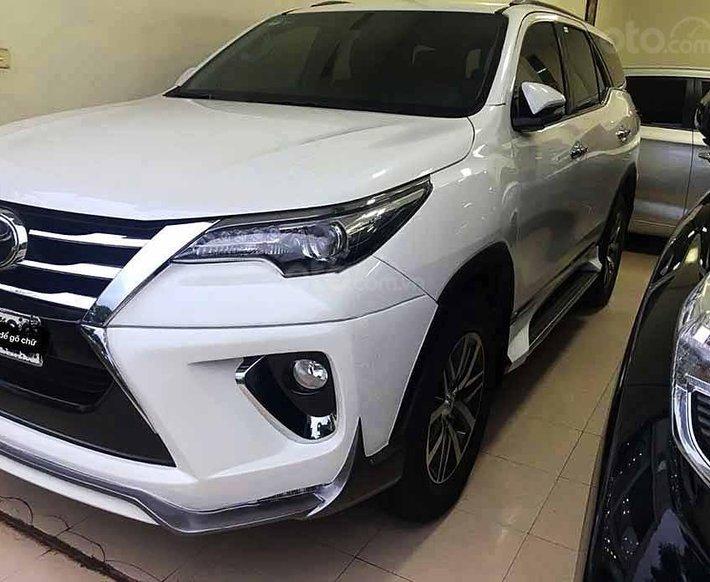 Bán Toyota Fortuner năm sản xuất 2017, màu trắng, xe nhập còn mới0