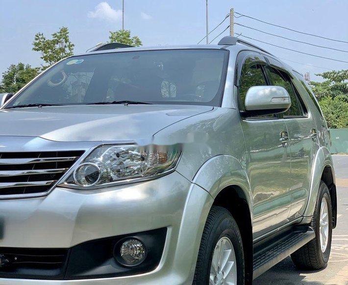 Bán xe Toyota Fortuner năm sản xuất 2012, màu bạc số tự động, BSTP, mới 95%0