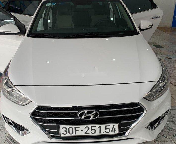Chính chủ bán Hyundai Accent năm sản xuất 2018, màu trắng0