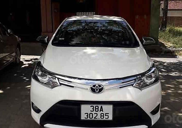 Cần bán xe Toyota Vios sản xuất 2016, màu trắng, chính chủ0