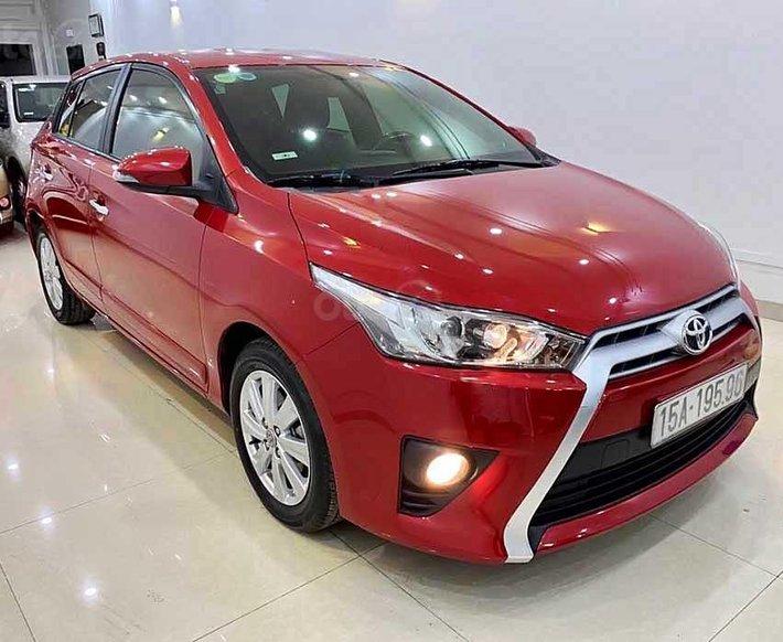 Bán xe Toyota Yaris sản xuất năm 2015, màu đỏ, xe nhập còn mới, giá tốt0