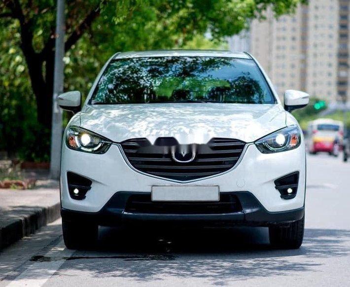 Cần bán xe Mazda CX 5 năm 2016, màu trắng, số tự động0