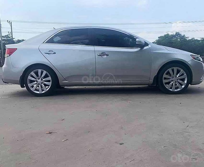 Bán Kia Forte năm sản xuất 2010, màu bạc, nhập khẩu nguyên chiếc còn mới giá cạnh tranh0