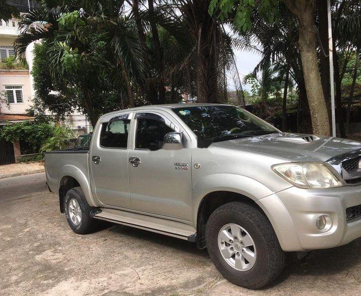 Bán ô tô Toyota Hilux sản xuất 2009, màu bạc, nhập khẩu nguyên chiếc chính chủ, 335 triệu0