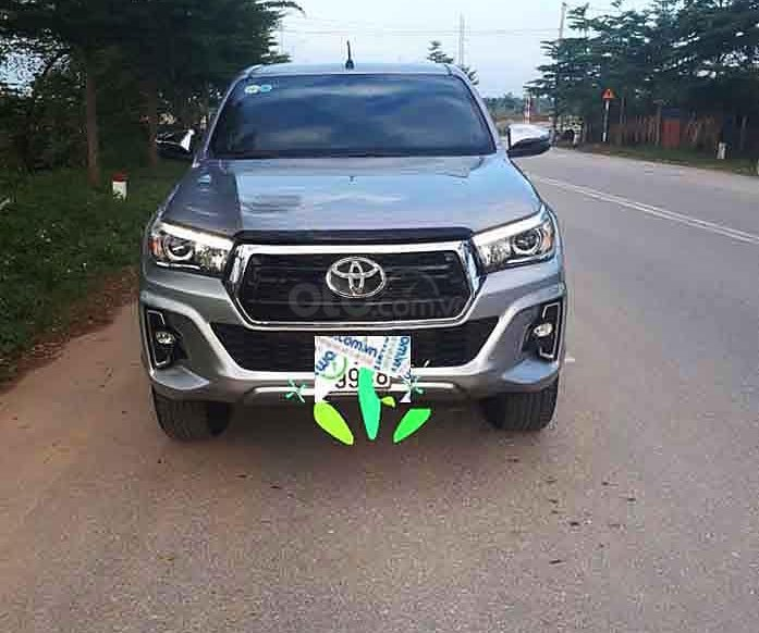 Cần bán lại xe Toyota Hilux sản xuất năm 2018, màu bạc, nhập khẩu nguyên chiếc còn mới, 789 triệu0
