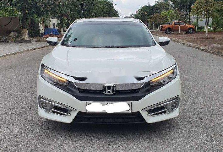 Cần bán lại xe Honda Civic sản xuất 2017, màu trắng, nhập khẩu0