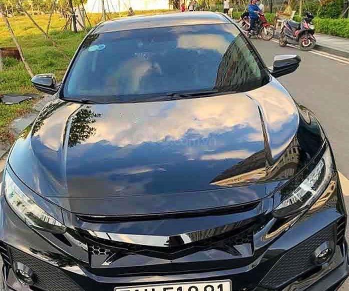 Cần bán gấp Honda Civic năm sản xuất 2019, màu đen, nhập khẩu nguyên chiếc còn mới0
