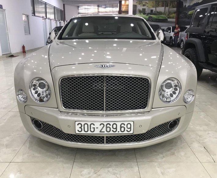 [Hot Sài Gòn] Bentley Mulsanne màu vàng cát cực hiếm0