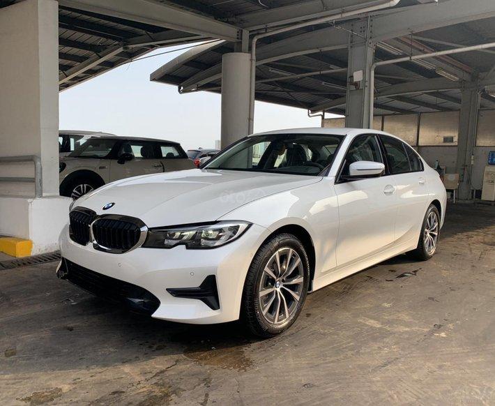 BMW 320i Sportline - Huyền thoại sedan thể thao BMW - chỉ từ 1 tỷ 899, KM hơn 100 triệu đồng0