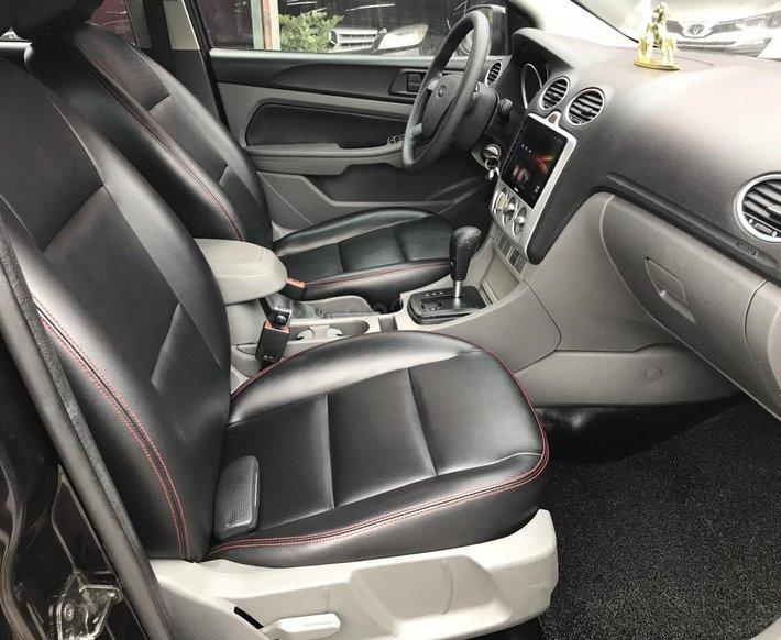 Cần bán xe Ford Focus 1.8 AT 20124
