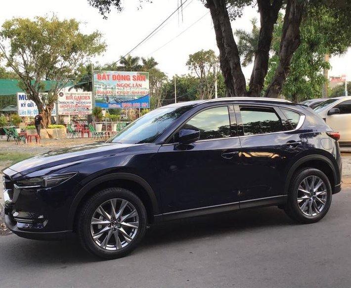 Bán Mazda 5 đời 2020, màu đen chính chủ1