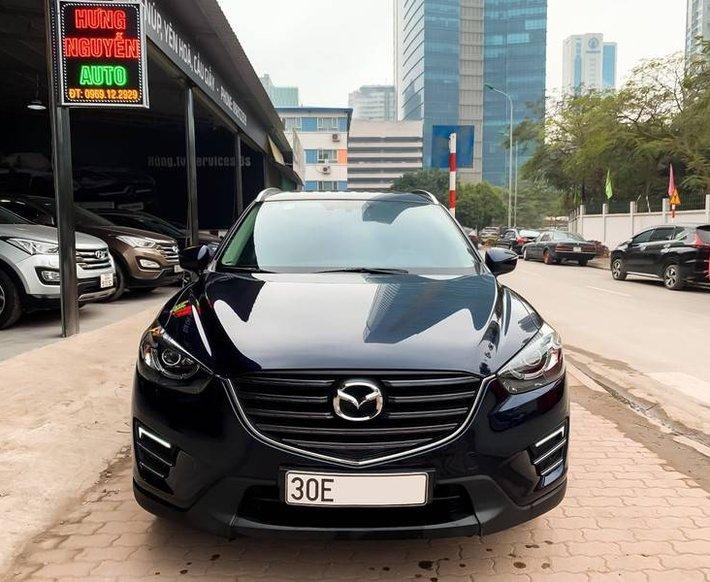 Cần bán Mazda 5 sản xuất năm 2017, màu đen chính chủ, giá tốt0