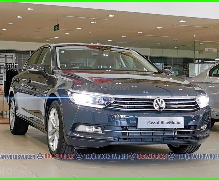 [Đại lý Volkswagen Trường Chinh ] Passat High màu xám - Trợ giá mùa dịch Giảm 200tr + bảo hiểm + bảo dưỡng khi mua xe0