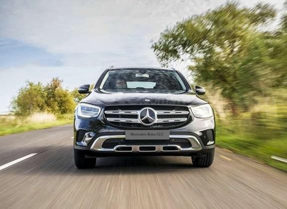 Giá lăn bánh Mercedes GLC 200 2021, xe nhiều màu giao ngay cùng nhiều ưu đãi khi đặt mua0