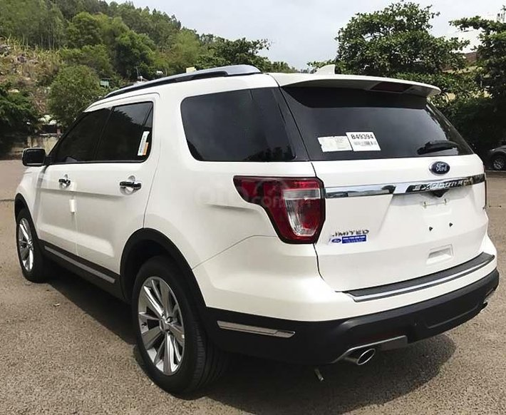 Bán ô tô Ford Explorer Limited năm sản xuất 2021, màu trắng, nhập khẩu nguyên chiếc3