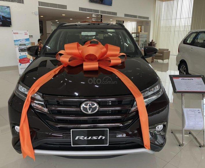 Bán Toyota Rush 1.5AT màu đen sản xuất năm 2021 - xe giao ngay0