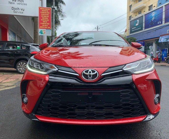 Bán xe Toyota Yaris 1.5G năm sản xuất 2021 - màu đỏ giao ngay0