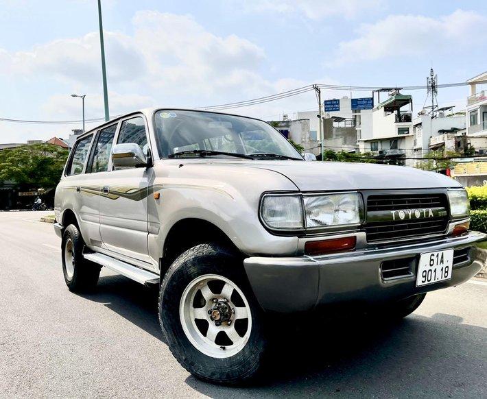 Bán Toyota Land Cruiser năm sản xuất 1993, máy dầu, nhập khẩu nguyên chiếc, số sàn, giá cạnh tranh0