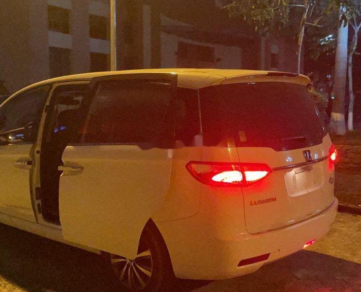 Cần bán gấp Luxgen M7 sản xuất năm 2017, xe nhập còn mới11