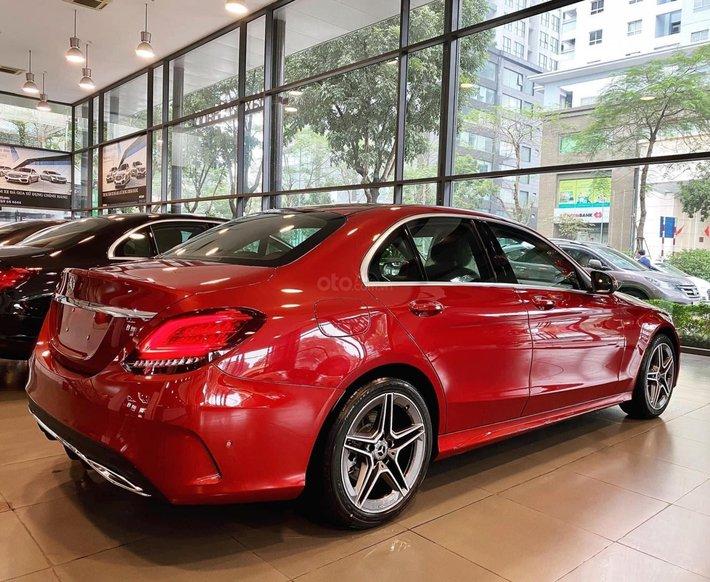 Mercedes-Benz C180 AMG new 2021, xe giao ngay, đủ màu, hỗ trợ Bank tối đa lên đến 85%1