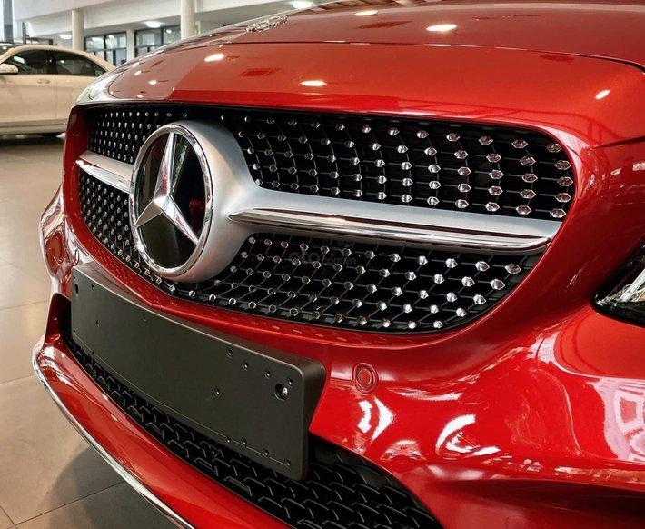Mercedes-Benz C180 AMG new 2021, xe giao ngay, đủ màu, hỗ trợ Bank tối đa lên đến 85%4