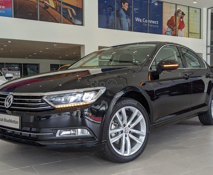 Volkswagen Sài Gòn - Lô xe Passat Bluemotion màu đen mới cập cảng từ Đức về - bao lăn bánh + tặng thêm BHVC, bảo dưỡng0
