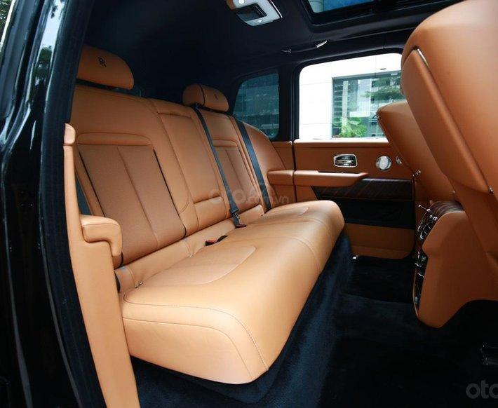 Bán Rolls-Royce Cullinan sản xuất 2021 mới 100%, nhận đặt xe theo yêu cầu12