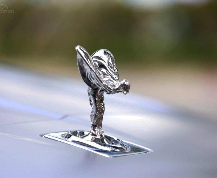 Bán Rolls-Royce Cullinan sản xuất 2021 mới 100%, nhận đặt xe theo yêu cầu7