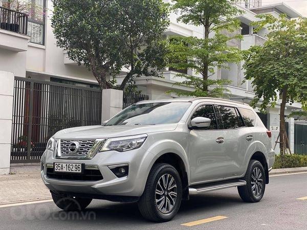 Bán ô tô Nissan Terra E năm 2019, màu bạc, xe mới sử dụng2