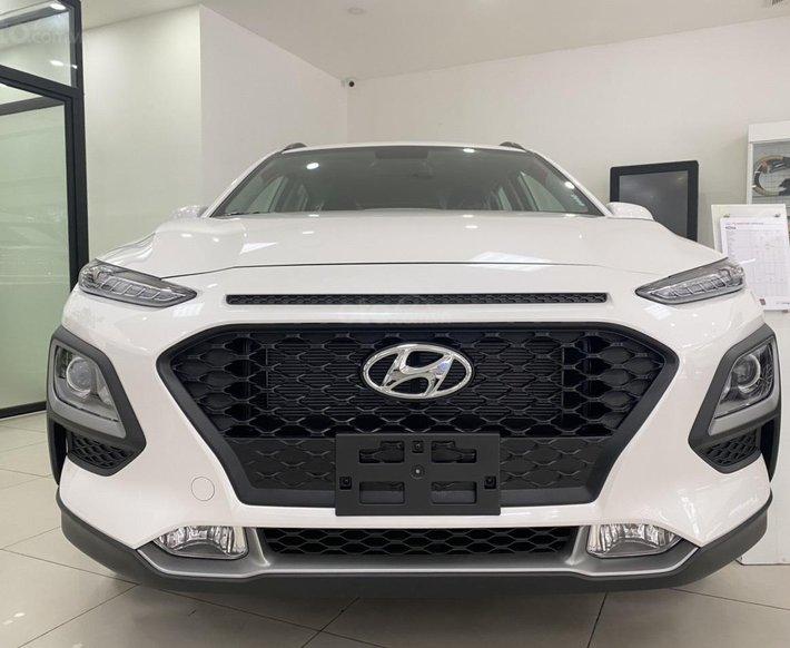 Hyundai Cầu Diễn bán Hyundai Kona 2021 trắng, giảm 10 triệu, nhiều ưu đãi0