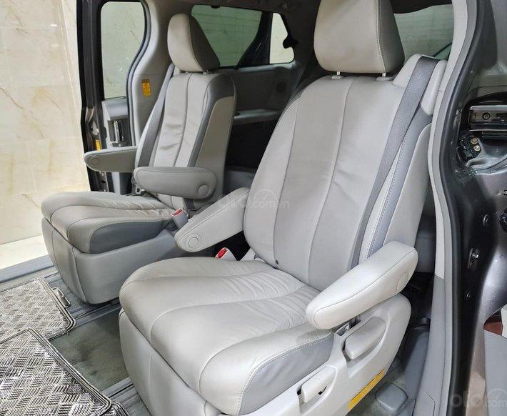 Toyota Sienna Limited 3.5, xe nhà trùm mền không chạy còn mới toanh, toàn bộ còn zin theo xe6