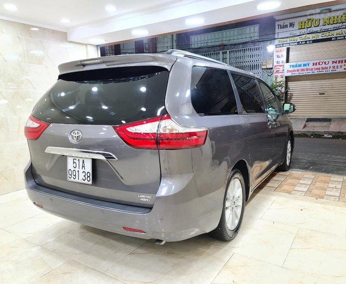 Toyota Sienna Limited 3.5, xe nhà trùm mền không chạy còn mới toanh, toàn bộ còn zin theo xe2