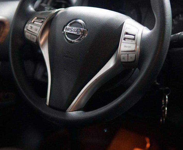 Bán Nissan Terra đời 2019, màu trắng, xe nhập, 760 triệu6