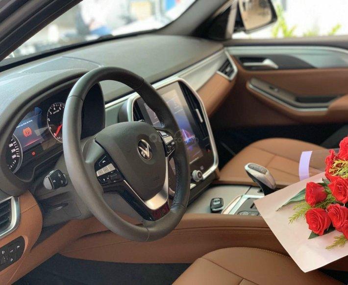 Bán xe VinFast LUX SA2.0 giảm 300tr tiền mặt, đủ màu giao ngay, giá cam kết tốt nhất miền Bắc, tặng full phụ kiện6