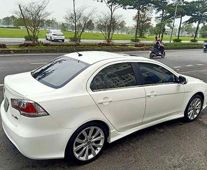 Bán Mitsubishi Lancer sản xuất 2009, màu trắng, xe nhập còn mới giá cạnh tranh2