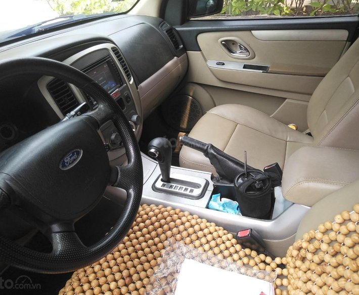 Cần bán xe Ford Escape sản xuất 2007, có cruise control, chính chủ7