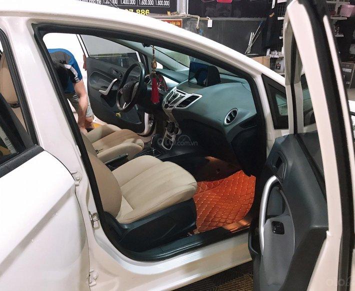 Cần bán xe Ford Fiesta 1.6S năm 2013, màu trắng còn mới2