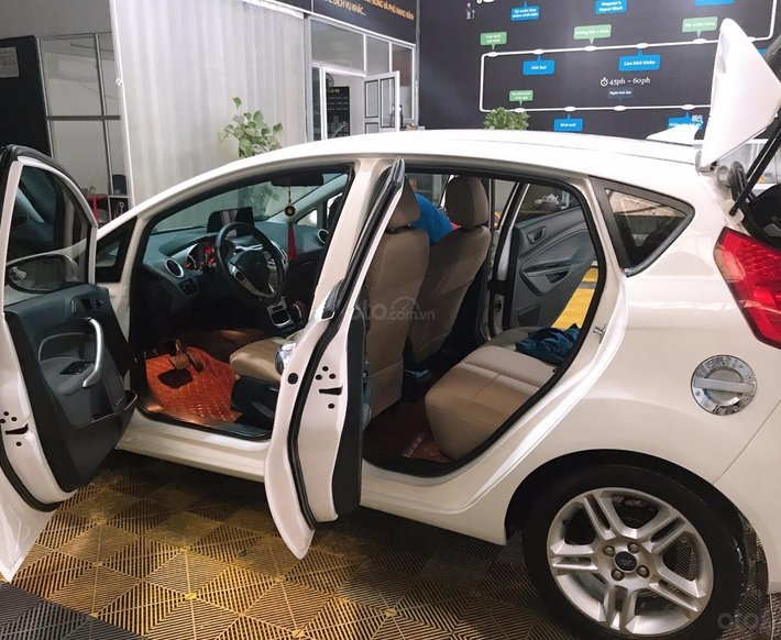 Cần bán xe Ford Fiesta 1.6S năm 2013, màu trắng còn mới4