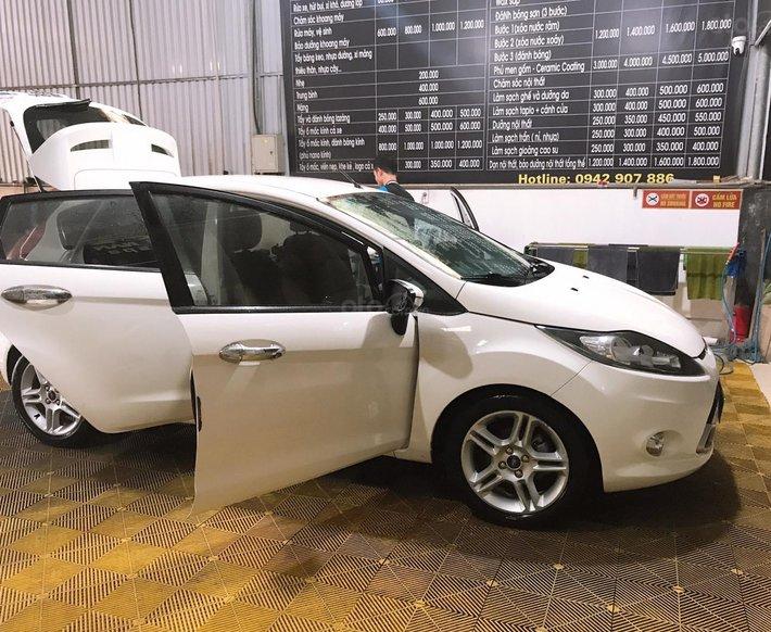Cần bán xe Ford Fiesta 1.6S năm 2013, màu trắng còn mới3