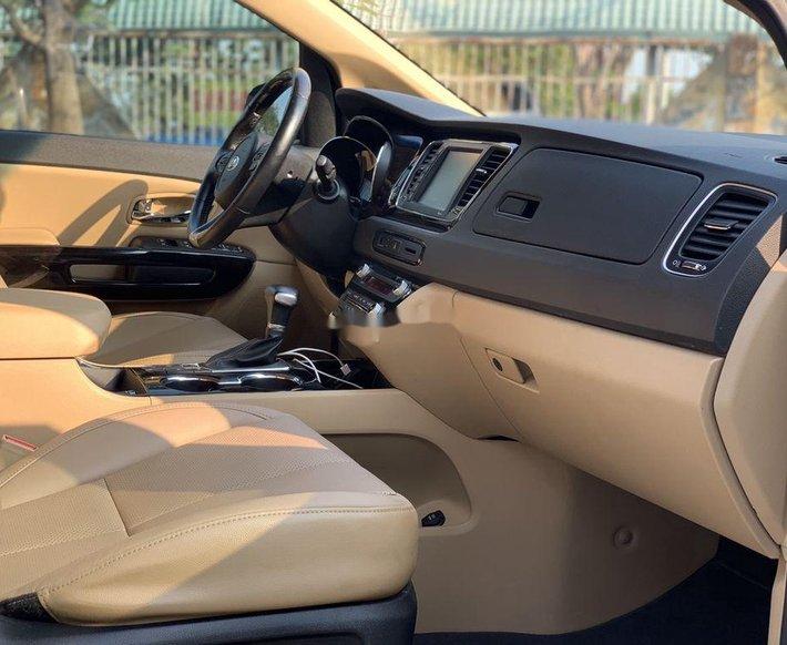 Cần bán Kia Sedona năm sản xuất 2019 còn mới11