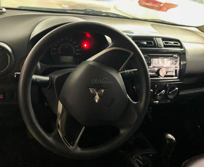 Bán ô tô Mitsubishi Mirage sản xuất năm 2017, màu trắng, giá tốt2