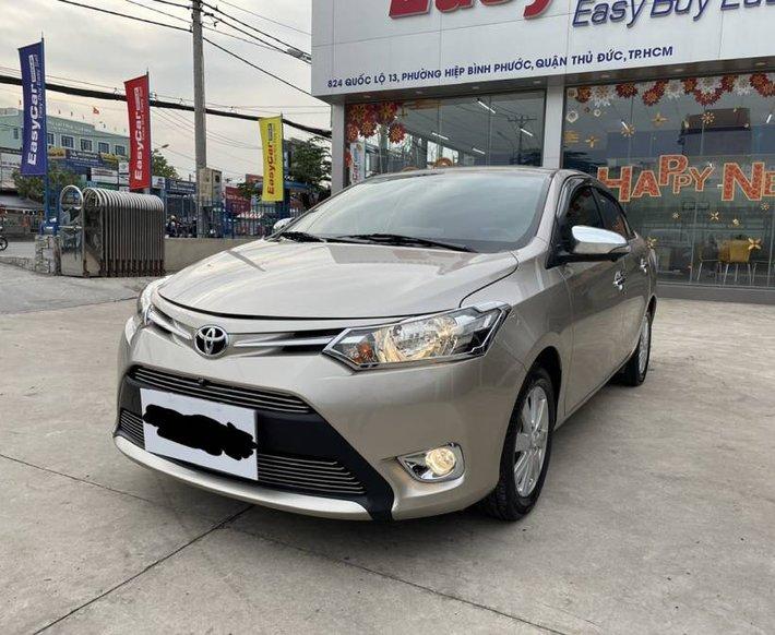 Cần bán Toyota Vios 1.5E MT năm 2017, màu vàng cát, còn mới, giá chỉ 405 triệu1