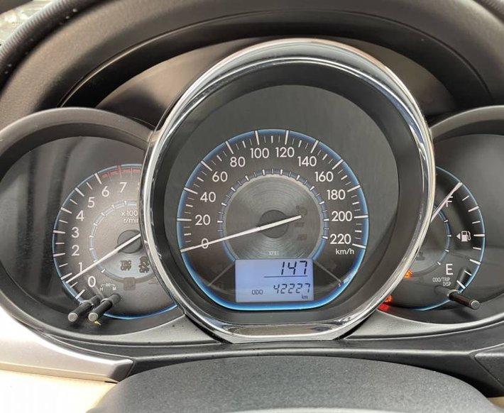 Cần bán Toyota Vios 1.5E MT năm 2017, màu vàng cát, còn mới, giá chỉ 405 triệu7